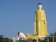 Bodhi Tataung, Monywa, Burma