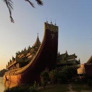 Karaweik, Yangon, Burma